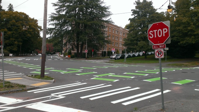The intersection of Ravenna Boulevard and University Way. (Photo by the author)