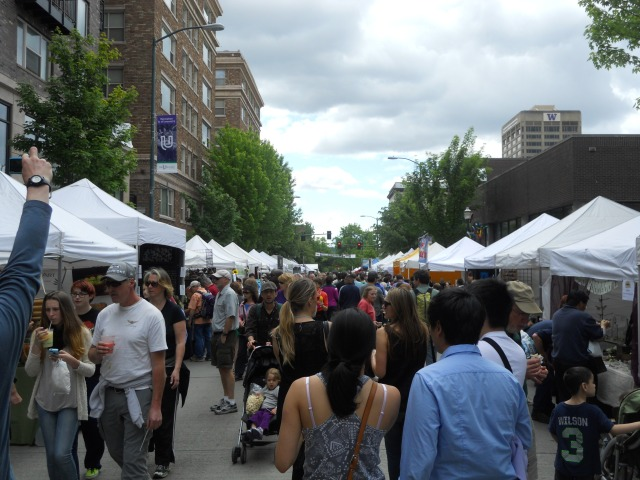 The 2014 University District Streetfair. (Photo by the author)
