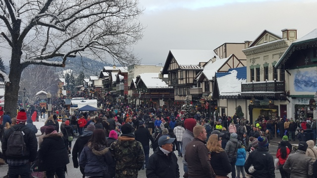 Leavenworth, WA on a December weekend. There is a single key attribute that draws people to places like this: walkability. It's what Leavenworth has in common with Disneyland, Rome, and all of the major urban tourism draws. (Photo by the author)