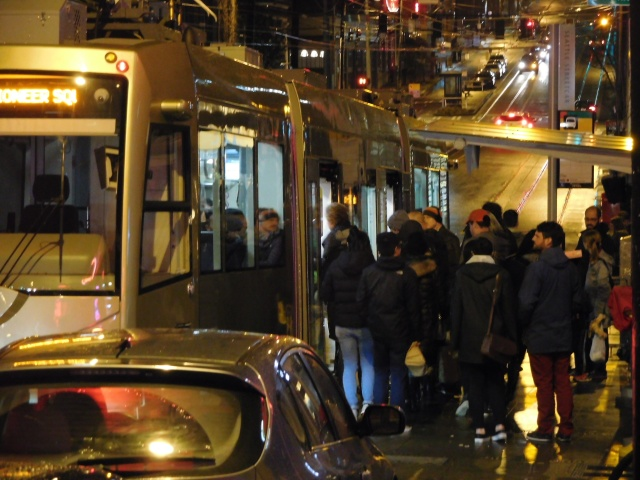 A large group of passengers boarding the First Hill line at Pike Street. (Photo by the author)