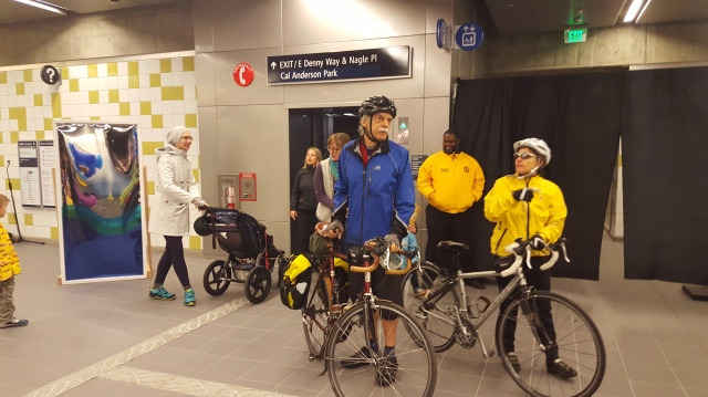 There were plenty of bicyclists and kids in strollers at Capitol Hill Station. (Photo: author)