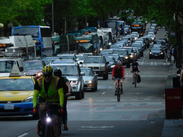 Bicyclists almost exclusively using the left lane on 4th Avenue during afternoon peak. (Photo by the author)